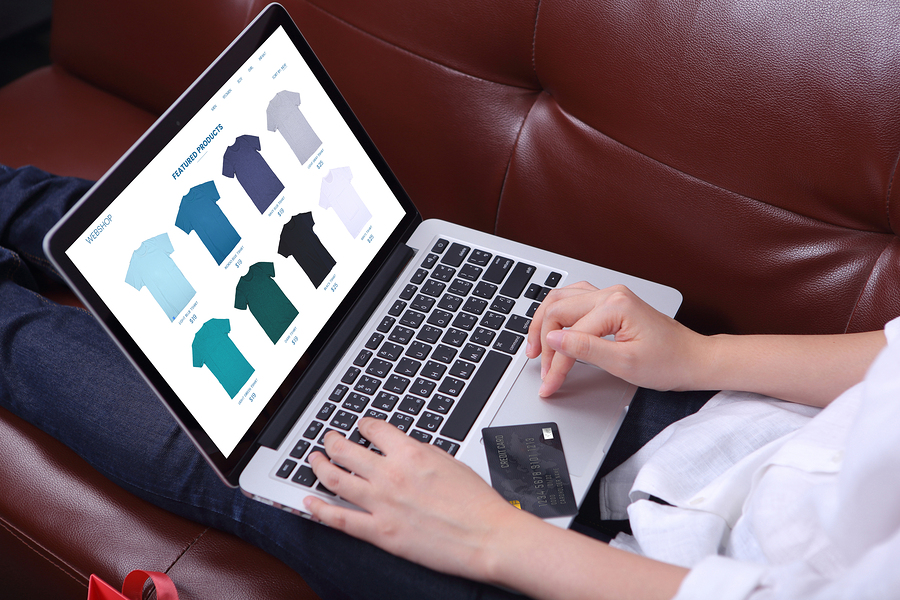 Vendiendo camisetas online desde tu laptop
